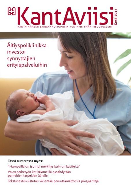 KantAviisin 2017 vuoden kesänumeron kannessa äitiyspoliklinikan työntekijä sylissään vauva.