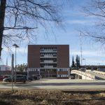 Kuvassa Kanta-Hämeen keskussairaalan osastotorni. Kuva on nettikoossa
