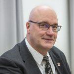 Kuvassa tulosalueylilääkäri Ari Palomäki. Kuva on nettikoossa